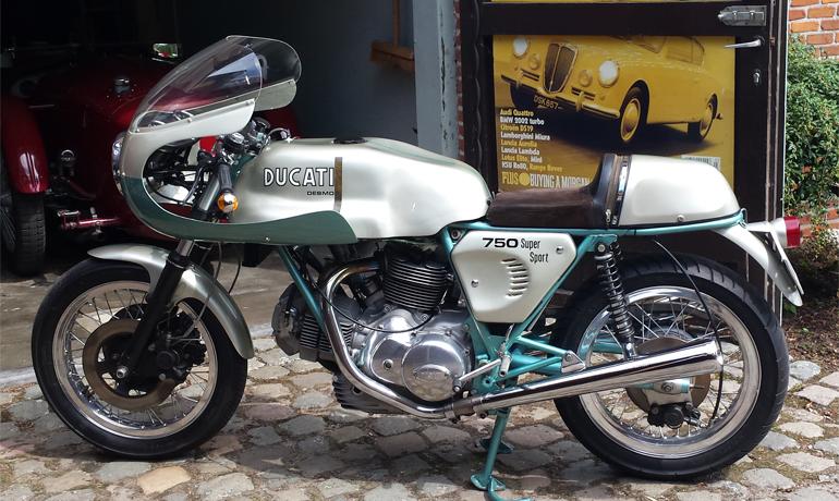 Ducati 750SS Green Frame